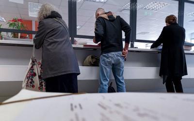 Αλλάζουν και πάλι το μισθολόγιο στο Δημόσιο – Μπόνους για «καλούς», στασιμότητα για ανεπαρκείς – Ποιους αφορά