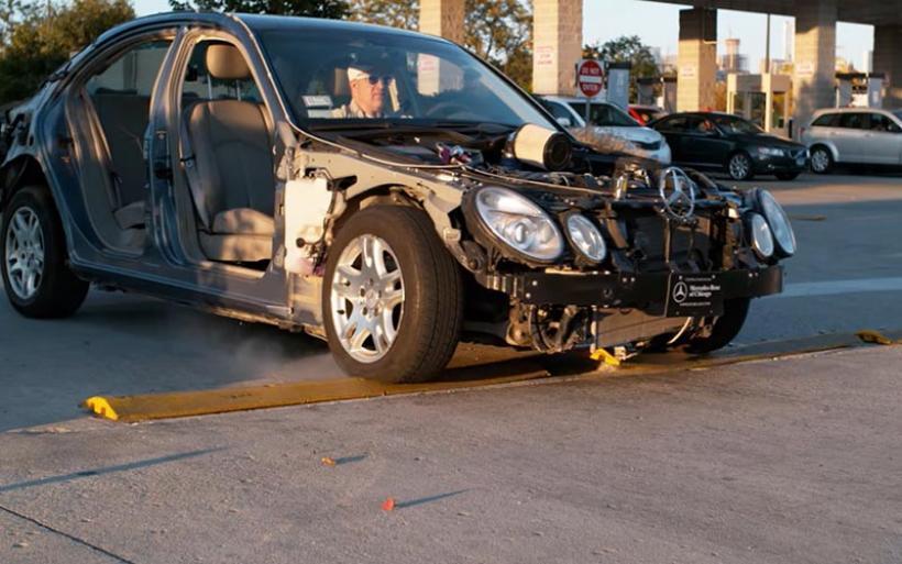 Video: Τι ζημιές προκαλούν στο αυτοκίνητο τα «σαμαράκια»