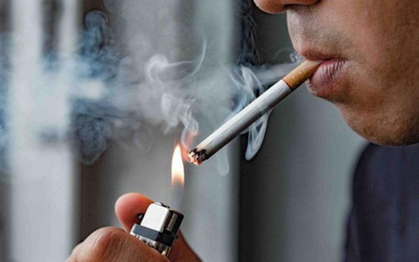 Κορονοϊός: Τι λένε οι ειδικοί σχετικά με το κάπνισμα – Τα συμπτώματα και η πιθανότητα θανάτου