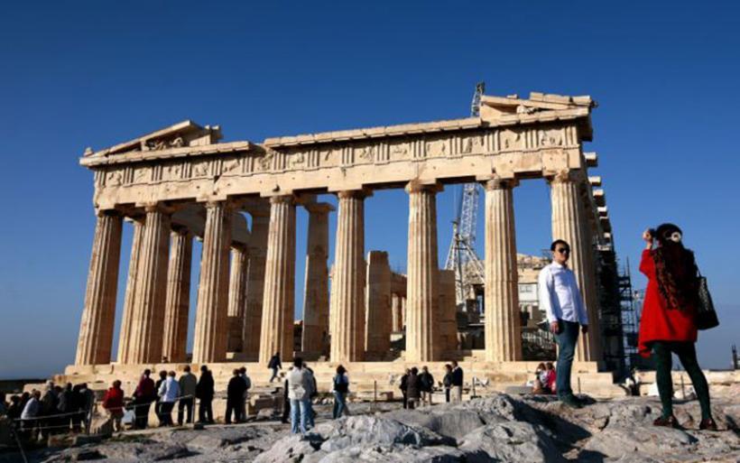 Κοροναϊός : Voucher για επιδότηση διακοπών Ελλήνων προτείνει το ΕΒΕΑ