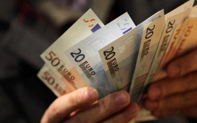 Επίδομα 800 ευρώ: Οι νέες κατηγορίες που εντάχθηκαν – Πότε υποβάλλονται οι αιτήσεις