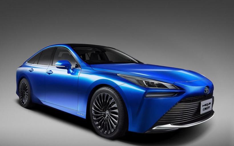 To Toyota Mirai γίνεται πισωκίνητο και πιο δυναμικό