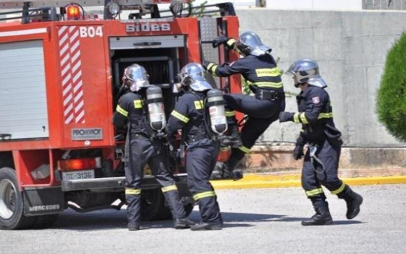 Φάρσαλα: Πανικός από έκρηξη φιάλης υγραερίου σε υπόγειο! Στο σημείο 12 Πυροσβέστες