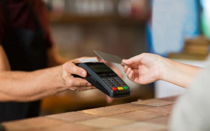 Ένωση Τραπεζών: Τι αλλάζει στις συναλλαγές με κάρτες