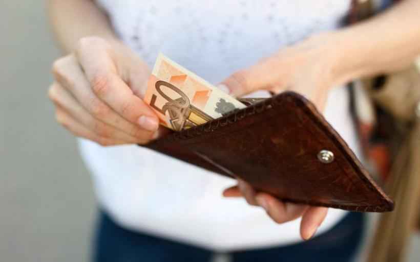 Δημοσιεύθηκε η ΚΥΑ για τα 400 ευρώ σε μακροχρόνια ανέργους